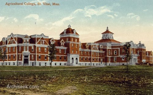 Taché Hall in 1911, when the U of M was still the Agricultural College.